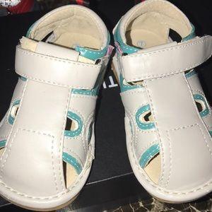 Kids Hide & Squeak Sandals
